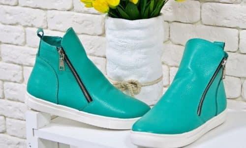Для профилактики грибка следует приобретать только качественную обувь из натуральных, дышащих материалов