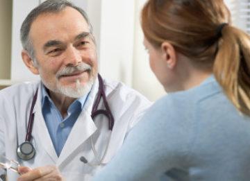 Симптомы и лечение заложенности уха при простуде