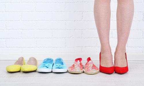 Неправильно подобранная обувь может привести к образованию вроста на большом пальце ноги