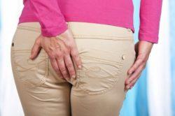 Боль в заднем проходе - симптом геморроя