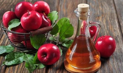 Нельзя использовать яблочный уксус при трещинах, ранах на поверхности эпителия, так как кислота провоцирует ухудшение воспаления