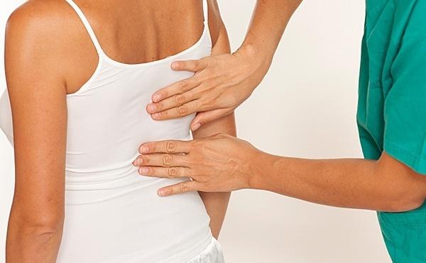 Фото: лечение мануальной терапией грыжи позвоночника