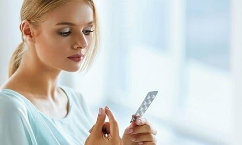 Лечение лазером от грибка не обязывает пациента дополнительно применять внутренние препараты