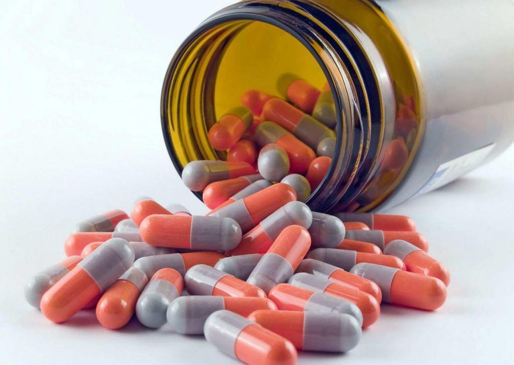 баночка антибиотиков